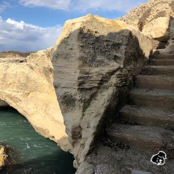 Grotta della poesia, scalinata