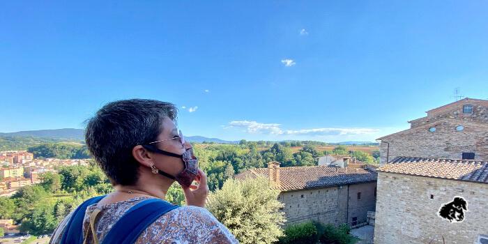La torre di Calafuria avamposto del Colle di Val d'Elsa • uncanperdue